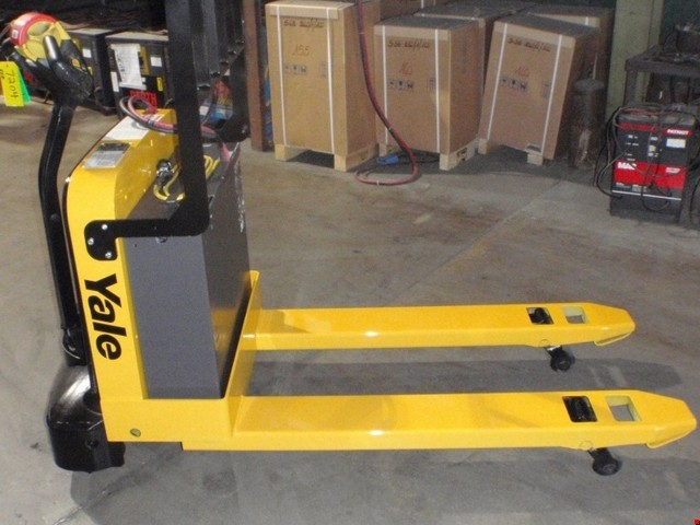 Used Yale Electric Walkie Pallet Truck