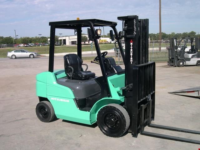 Used Mitsubishi Pneumatic Tire Forklift