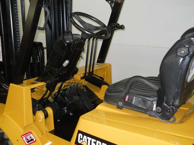 Used Cat Pneumatic Tire Forklift