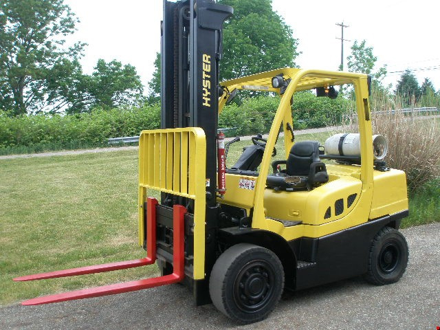Used Hyster Pneumatic Tire Forklift